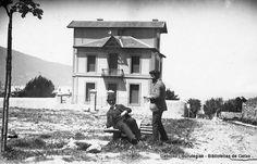 Villa Haes, en la actual calle Andrés Isasi. Fue la casa del pintor Juan Barroeta (en la foto, sentado a la izquierda) (Cedida por Ignacio Azaola) (ref. 04090)