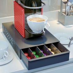 Universal coffee pod capsule drawer holder box can store all of your Nespresso or DolceG coffee capsules Machine A Cafe Expresso, Coffee Machine, Dosette Nespresso, Coffee Pod Storage, Buy Coffee Beans, Coffee Box, Cuisines Design, Kitchen Accessories, Space Saving