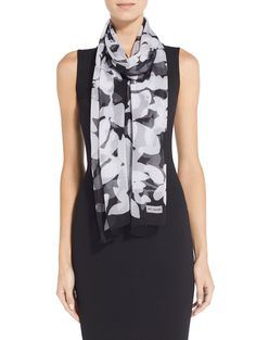 A contrasting floral print offers an eye-catching accent to this St. Floral Fashion, Classic Style, Floral Prints, Silk, Black And White, Abstract, Summary, Flower Prints, Blanco Y Negro