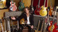 Joe Perry Guitar, 1959 Gibson Les Paul, Metal Horns, Steven Tyler Aerosmith, Les Paul Guitars, Guitar Collection, Gibson Guitars, Classic Rock, Music Artists