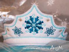 Kronen - Prinzessinnen Krone mit Eiskristallen ♥ Haarreifen - ein Designerstück von AnCaNi bei DaWanda