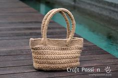 Crochet pattern of jute twine tote with star stitch pattern. Picture tutorial and video link available to make the instruction easy to understand & follow. ༺✿Teresa Restegui http://www.pinterest.com/teretegui/✿༻