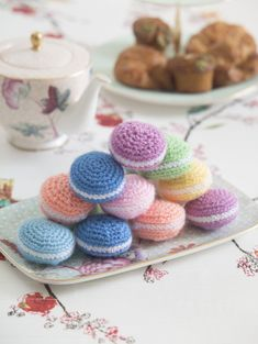 Have a Parisian moment with these cute and delicious looking crochet macarons made with Bonbons