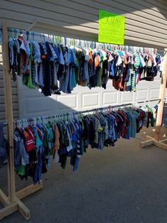 Diy möbel Trendy yard sale clothes rack fun ideas Your One Year-Old's Development The first bi Garage Sale Signs, Yard Sale Signs, For Sale Sign, Garage Sale Pricing, Diy Clothes Rack, Hanging Clothes, Clothes For Sale, Hang Clothes Garage Sale, Clothes Hangers