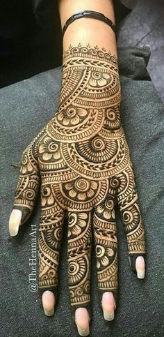 Back hand henna design Full Mehndi Designs, Mehandhi Designs, Henna Art Designs, Mehndi Designs For Girls, Indian Mehndi Designs, Mehndi Designs For Beginners, Mehndi Designs For Fingers, Wedding Mehndi Designs, Mehndi Design Pictures