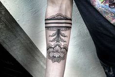 Jellyfish Lines Ornament Tattoo by Chaim Machlev DotsToLines