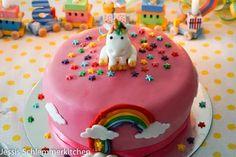 Unicorn cake with raspberry-mascarpone filling - Motivtorten - Baby Tips Emoji Cake, Unicorn Cupcakes, Salty Cake, Cake Trends, Easy Cake Recipes, Cake Tutorial, Savoury Cake, Mini Cakes, Cake Decorating