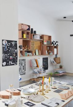 Live blogging from our Christmas pop-up happening today and tomorrow at the Bloesem shop along 59 Eng Hoon Street and for this special occasion we have opened up the Bloesem studio as a pop-up store as well! 10 am to...