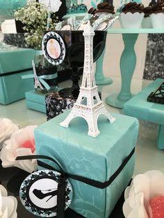 12 anos da Carol no tema Paris Tiffany – Inspire sua Festa ®