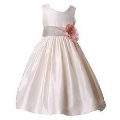 Flower girl dress, but nix the flower. Ivory Flower Girl Dresses, Little Girl Dresses, Baby Girl Fashion, Kids Fashion, Bridesmaid Dresses, Wedding Dresses, Bridesmaids, Look Fashion, Baby Dress