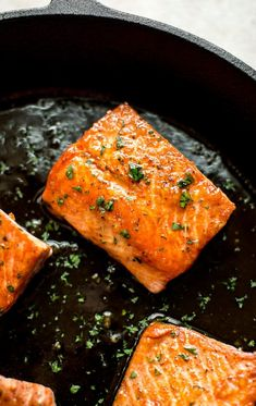 Salmon Recipes 317574211220743550 - This easy honey garlic salmon recipe is made right in your skillet in less than 20 minutes. The salmon is pan-fried to perfection, and the honey glaze is totally delicious! Source by georgealfaro Salmon Steak Recipes, Salmon Recipe Pan, Healthy Salmon Recipes, Seafood Recipes, Delicious Recipes, Salmon Recipes Stove Top, Cooking Salmon Steaks, Pink Salmon Recipes, Salmon Marinade