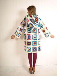 i-am-ramona-flowers: (via Secret Hipster: A Crochet Eskimo) Pretty granny square. : i-am-ramona-flowers: (via Secret Hipster: A Crochet Eskimo) Pretty granny square jacket! ♥ ♥ ♥ (via knit-me-a-blanket) Crochet Coat, Crochet Cardigan Pattern, Crochet Jacket, Crochet Clothes, Crochet Patterns, Blanket Crochet, Point Granny Au Crochet, Granny Square Crochet Pattern, Crochet Squares