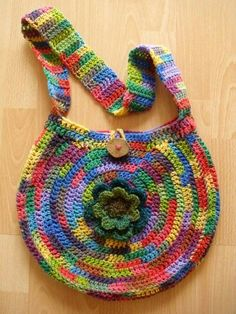 Pure Pinspiration - I wonder if you can start by making a circle motif then kind of reverse engineer the circle from the outside in? Some thing to try. Knit Or Crochet, Cute Crochet, Beautiful Crochet, Crochet Crafts, Yarn Crafts, Hand Crochet, Crochet Stitches, Crochet Projects, Crochet Handbags