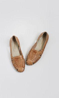Vintage Huarache Sandals (size — Everything Golden Sock Shoes, Cute Shoes, Me Too Shoes, Parisienne Chic, Jordan Shoes, Look Fashion, Fashion Shoes, Keds, Leather Sandals