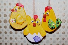 Поделка изделие Лепка Куриные семейки Тесто соленое фото 9 Diy And Crafts, Crafts For Kids, Salt Dough Ornaments, Hen Chicken, Sensory Boxes, Chickens And Roosters, Cute Clay, Clay Animals, Salon Design