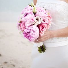 Beach Modern Spring Vintage Blush Green Pink Purple Bouquet Wedding Flowers Photos & Pictures - WeddingWire.com