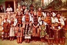 Art Costume, Folk Costume, Costumes, Transylvania Romania, Hungarian Embroidery, Folk Dance, Folk Music, My Heritage, Old World