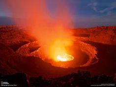 【動画】ドローンがとらえた煮えたぎる溶岩湖   ナショナルジオグラフィック日本版サイト