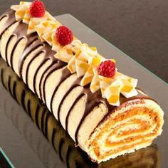 Cake Roll Recipes, Fruit Recipes, Desert Recipes, Baking Recipes, Sweet Recipes, Pastry Recipes, Dessert Bar Wedding, Dessert Bars, Charlotte Au Fruit