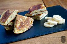 Diese Paleo Pfannkuchen sollte jeder kennen! Unglaublich schnell zubereitet ✚ lecker ✚ sättigend. Worauf wartest du noch? Eier aus dem Kühlschrank und los!