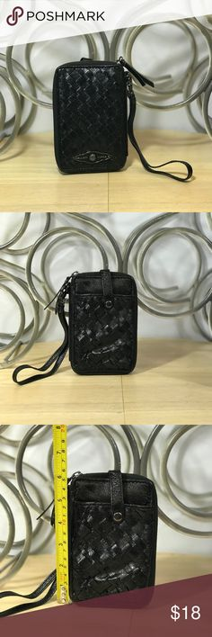 😍BLACK LEATHER ELLIOT LUCCA WRISTLET/PHONE CASE💕 Details.....🎉🎉 LIKE NEW!  Brand:  ELLIOTT LUCCA  Size: 6x9 INCHES   Material: GENUINE LEATHER  Color: BLACK  Features: (See PICTURES)  FITS ANDROIDS NOTE 3&Up, GALAXY, IPHONE 6&Up ▪️▪️▪️▪️▪️▪️▪️▪️▪️  Fine Print: -Questions? If you have any questions please feel free to send me a message. Storage Conditions: Pet-free & Smoke-free. -Shipping&Handling: All items will be shipped within 1 Business Day (same day for most orders).   Thank You For…