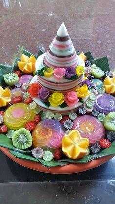 Tumpeng Thai Dessert, Dessert Table, Pudding Desserts, Dessert Recipes, Asian Platters, Muffin Tin Breakfast, Jelly Cream, Indonesian Cuisine, Asian Desserts