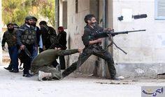 الاشتباكات مستمرة على محوري حيَّي جوبر والقابون…: استهدفت عشرات الصواريخ اليوم الأربعاء، أطراف العاصمة السورية دمشق، بالتزامن مع استمرار…