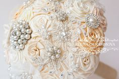 Brooch Bouquet with beads embroidery. Ivory Fabric by feltdaisy