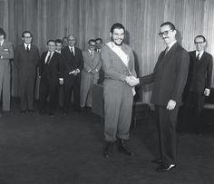 Jânio Quadros recebe Che Guevara em 1961.