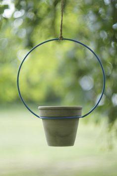 Suspension Pot Stand for plants - suspended Plant Stand House Plants Decor, Plant Decor, Indoor Garden, Garden Pots, Potted Garden, Flower Pot Design, Iron Decor, Terracotta Pots, Metal Crafts