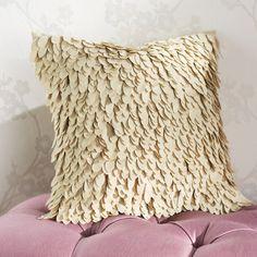 1000 in Home & Garden, Home Décor, Pillows