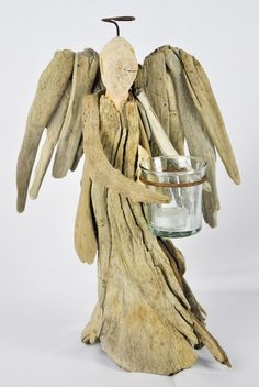 TreeLocate - Angel decoration candle holder, made from driftwood - ideal for interior decoration Sea Crafts, Nature Crafts, Diy And Crafts, Arts And Crafts, Driftwood Sculpture, Driftwood Art, Driftwood Projects, Wood Creations, Beach Art