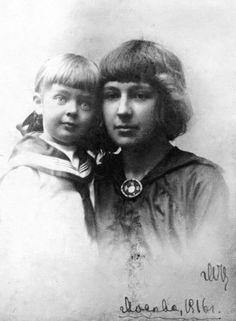 Marina Tsvetaeva with her daughter Ariadna, Biography, Einstein, Che Guevara, Nostalgia, Daughter, Thing 1, Authors, Photos, Inspiration