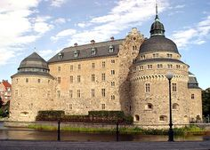 Kalmar, Småland, Sweden. Kalmar Castle, located near the site of Kalmar's medieval harbor, was built as a fortified tower in the 12th century. King Magnus Ladulås ordered the construction of a fortress around the tower in the 1280s.