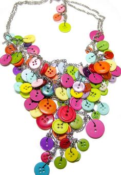 Giant Multicoloured Button Necklace by itsalovelycake, via Flickr