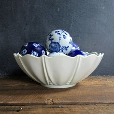 Anchor Hocking Oyster and Pearl Milk Glass Bowl Fruit Bowl