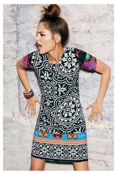 Vestido túnica recto para el verano Desigual. ¡Descubre la moda de mujer con más actitud!
