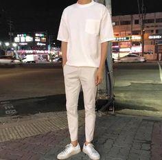 urban mens fashion which looks amazing. 34273 urban mens fashion which looks amazi Korean Fashion Trends, Korean Street Fashion, Fashion Ideas, Streetwear Mode, Streetwear Fashion, Urban Fashion, Mens Fashion, Facon, Look Cool