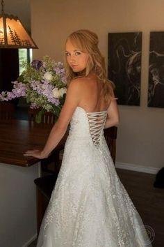 Amber Marshall her Heartland wedding dress Heartland Quotes, Heartland Ranch, Heartland Tv Show, Heartland Seasons, Heartland Actors, Amber Marshall Wedding, Ty Et Amy, Marshall Dresses, Perfect Wedding