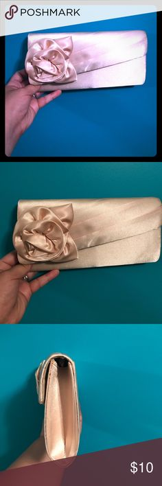 Evening clutch Jessica McClintock champagne evening clutch. Brand new with tags. Never used. Still in packaging. Jessica McClintock Bags Clutches & Wristlets