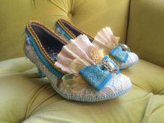 Costume de Marie Antoinette la dentelle ivoire or Turquoise Bleu Français révolution talons Baroque Rococo Mardi Gras 17e 18e siècle mode chaussures