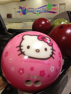 Kitty bowling ball