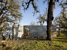 Casa en la Calle Moose / Mork-Ulnes Architects