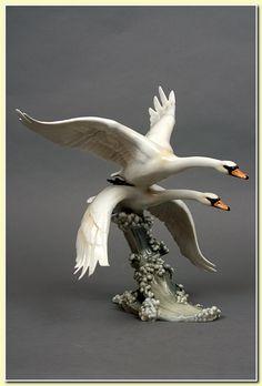 HUTSCHENREUTHER - Swans