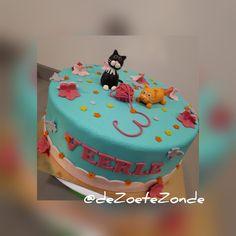 Kitten theme cake