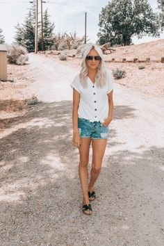 Button Up Top, Button Up Distressed Denim Shorts, Summer Outfit, Casual Summer Outfit, Denim Shorts Outfit, Emmer and Oats, Must Heart Style