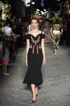 Dolce & Gabbana   Haute Couture - Autumn 2016   Look 14