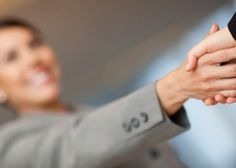 6 Startup Tips for Women Entrepreneurs Business Marketing, Internet Marketing, Media Marketing, Digital Marketing, Business Advice, Business Women, Starting A Company, Employer Branding, Online Marketing Strategies