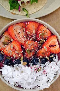 How to make gorgeous acai bowls at home + our favorite recipes!