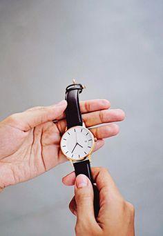 Shop minimalist watches by Norwegian design studio Linjer. Free worldwide shipping.